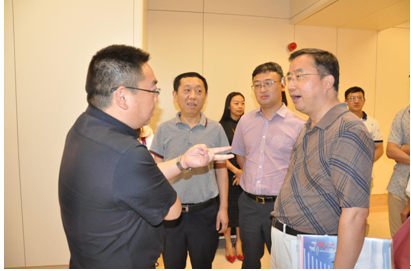与会人员参观重庆市肿瘤医院放疗科科室-重庆医学 赴重庆市肿瘤医院